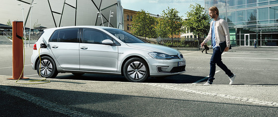 VW e-Golf 100 kW (136 PS) 1-Gang-Automatik |